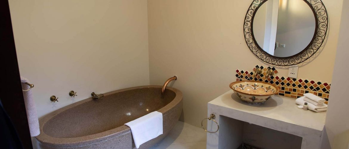 Far-Hills-Hotel-George-South-Africa-Moroccan-Bathtub