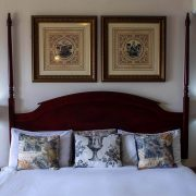 Far-Hills-Country-Hotel-George-Wilderness-Deluxe-Angel-Room-5