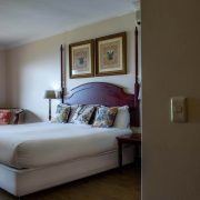 Far-Hills-Country-Hotel-George-Wilderness-Deluxe-Angel-Room-6