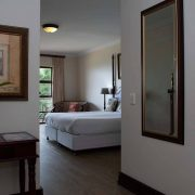 Far-Hills-Country-Hotel-George-Wilderness-Deluxe-Angel-Room-7