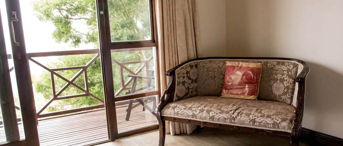 Far-Hills-Country-Hotel-George-Wilderness-Deluxe-Angel-Room-8