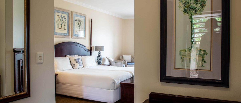 Far-Hills-Country-Hotel-George-Wilderness-Deluxe-Garden-Room-4